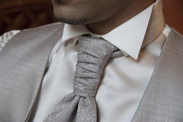 comprar-ropa-online-corbata-gris