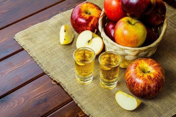 Remedios cabello graso vinagre manzana