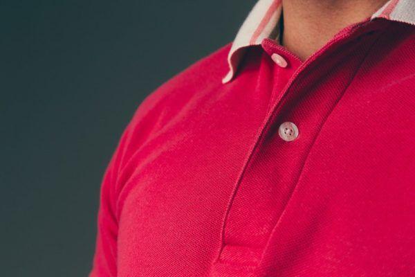 Consejos para combinar camisas de polo