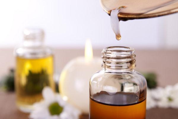 5 colonias y perfumes masculinas que puedes hacer en casa fácilmente